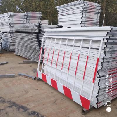 杞县 基坑护栏 基坑防护网 电梯防护门 井口防护栏 临边围栏 质量保证 可重复利用