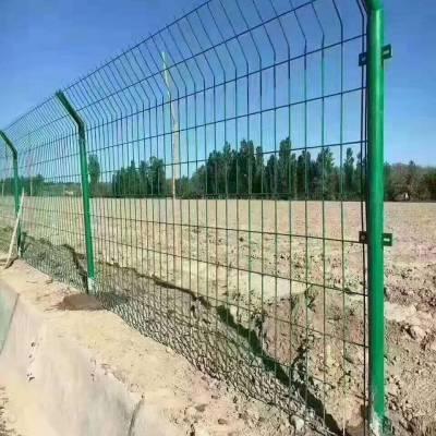 红安县山林围山护栏网,果园隔离防护网,养殖钢丝围栏网,圈地护栏网黄冈厂家直销