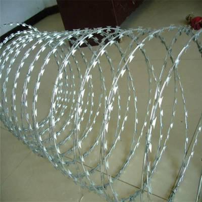 刺丝网 刀片刺绳焊接网厂家 刺绳围栏网
