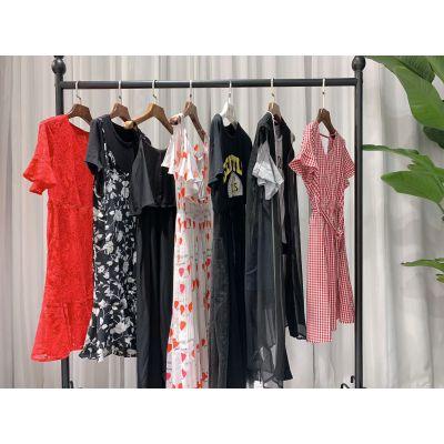 欧伊苪诗夏装 品牌女装批发 特卖场进货渠道 多种款式
