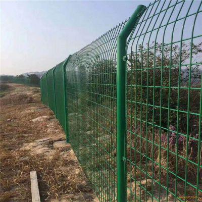 绿色护栏网 绿色铁丝护栏网 绿色铁丝护栏