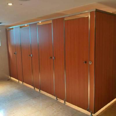 中山厕所隔断板保证私密性又美观