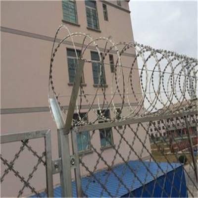 镀锌刺丝滚笼 镀锌刀片式刺丝滚笼 防护刺丝滚笼