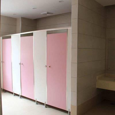 中山服务区卫生间隔断材料要干净温暖