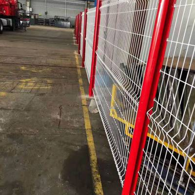 桃型柱护栏网 现货供应公园用桃型柱三角折弯护栏网 园林绿化网
