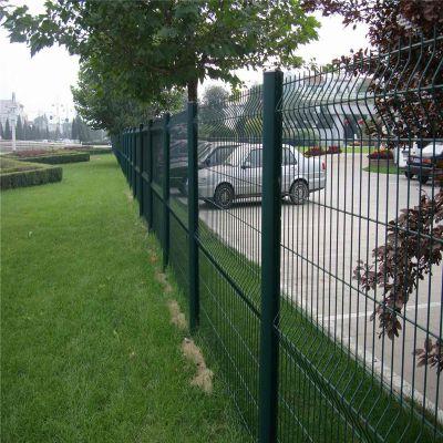 折弯护栏网 高速公路护栏 绿色围网现货