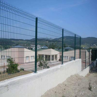 阜阳铁路框架护栏网厂-边框护栏网生产厂家-铁丝网围栏多少钱