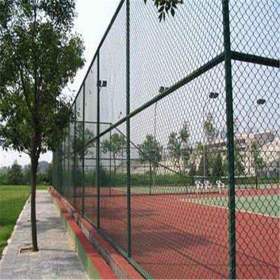 篮球场勾花网 运动场防护栏 墨绿色包塑球场