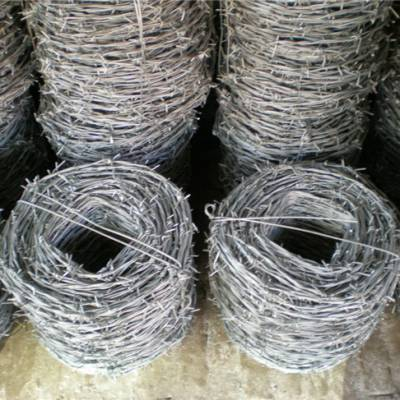 球场勾花护栏网厂家-四平勾花护栏网厂家-润和丰丝网