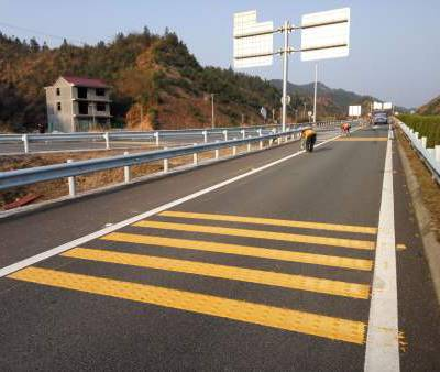 大连道路标线公司_质量好的道路标线当选哈尔滨路坤交通设施工程