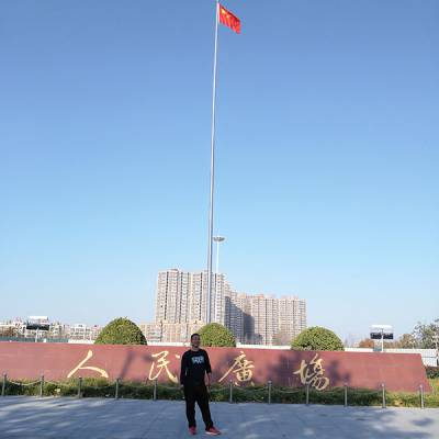 华恩专注新式国旗杆-南京学校电动升降旗杆