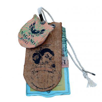 服装吊牌厂男女装吊牌定做吊卡衣服商标童装标签印刷纸卡订做