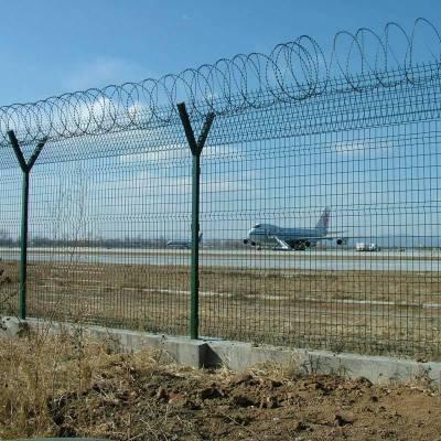 宁夏监狱隔离网v字护栏2.5米高机场封闭防护网优盾机场围界网