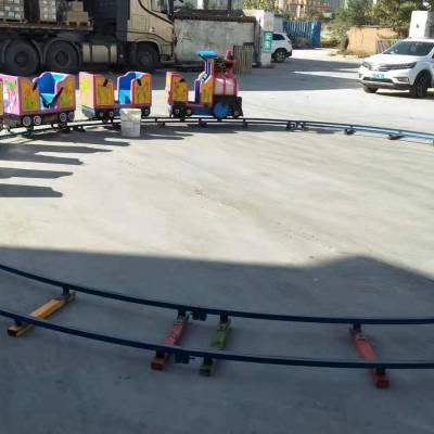 新款廣場兒童娛樂玩具簡易軌道小火車廠家定做四節八座猴子拉車