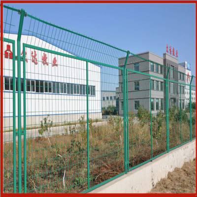 河北道路安全隔离网 公路隔离网安装 防护围栏网厂家