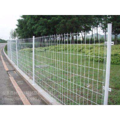 现货双边丝护栏网 果园低302碳钢丝网 高速公路护栏土地围栏网可定制