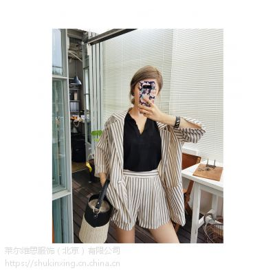 迪笛欧国内女装品牌折扣店加盟 品牌折扣女装服装批发走份尾货红色羽绒裤