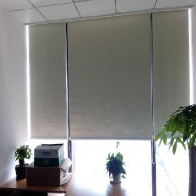 山西阳泉制作办公窗帘防紫外线卷帘电动遮阳帘学校酒店窗帘