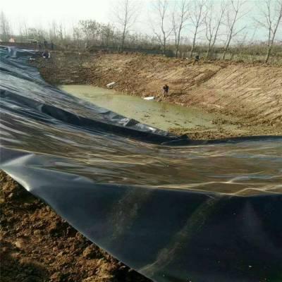 2.0毫米土工膜在广西垃圾填埋场的焊接做法