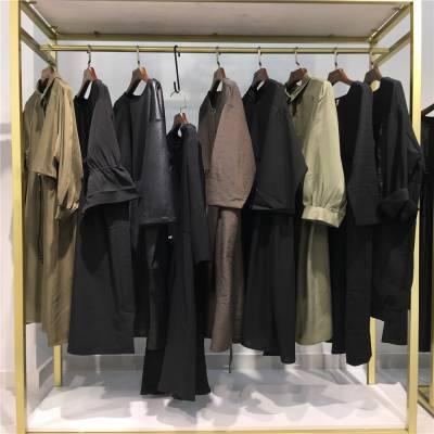 银川通州尾货市场 折扣女装加盟 呢大衣女 中老年服装批发