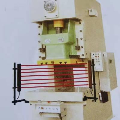 海任科技ES系列光幕控制器,作为信号处理单元,为发光器、受光器提供电源并接收受光器传送的通光信号