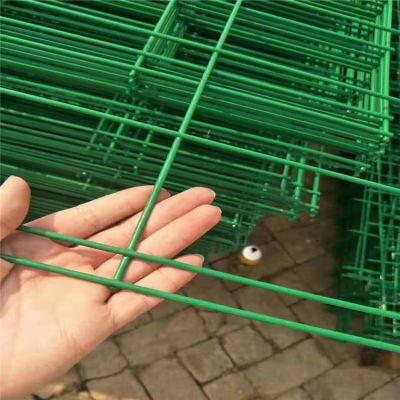 供应道路护栏网 道路绿色护栏网 道路铁丝护栏网