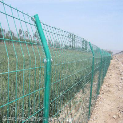 双边丝护栏网多少钱_浸塑高速公路双边丝护栏网报价