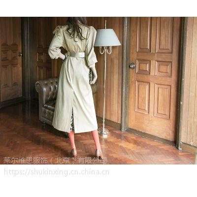 卡嘉茜微信国内品牌女装尾货折扣 广州尾货女装批发市场棕色婚纱礼服