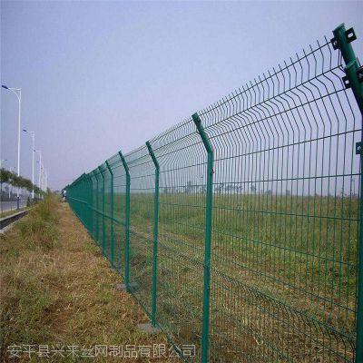 鸡栏护栏网 吉林桃型柱围栏网 异型护栏网生产厂家