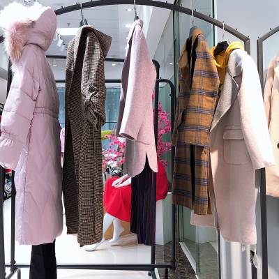 女装货源折扣女装纷漫19冬一手货源