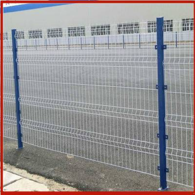 铁艺护栏网批发 可移动护栏网 刺铁丝围栏网规格