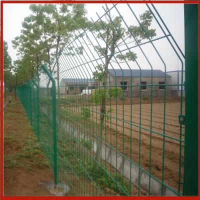 种菜围栏网 河北圈地围栏网批发 兴来新疆护栏网价格
