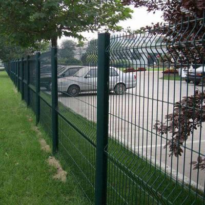巴东县游乐场围栏网厂家-有刺的铁丝网-围栏网围挡