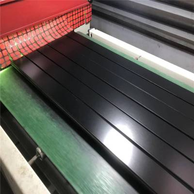新源高品质体育木地板工厂