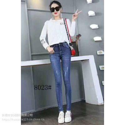 广西夏季牛仔短裤尾货批发 韩版时尚女装小脚牛仔裤一手货源哪里有?