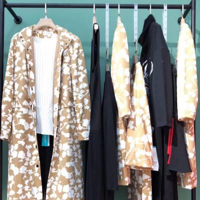 广州品牌折扣女装佰莉·衣橱19秋女专柜正品货源 品牌女装尾货折扣批发