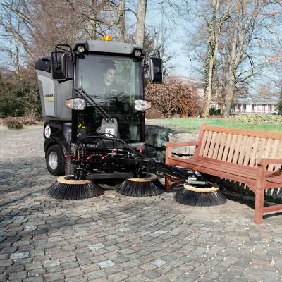 KARCHER MC50市政广场工厂物高大尚柴油驾驶式清扫车吸尘扫地车德国