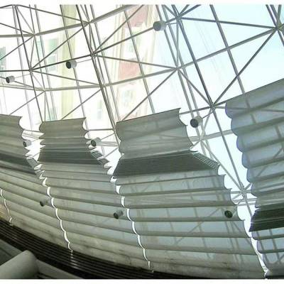 衡水商场阳光房户外天幕帘定做 枣强体育馆电动天棚帘采光顶遮阳帘