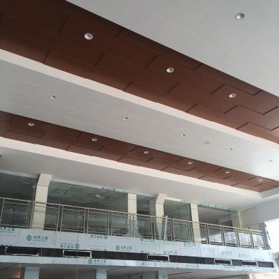 广汽本田汽车4S店销售展厅吊顶金属木纹白色600X1200mm勾搭铝板-工艺