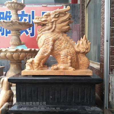 石雕麒麟_镇宅辟邪晚霞红瑞兽麒麟 动物门口雕塑英翰雕刻厂家