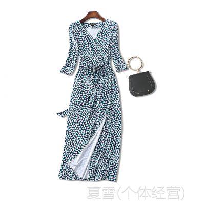 18夏季新品 优雅迷人 绿色波点印花 V领系带收腰长款裹身连衣裙