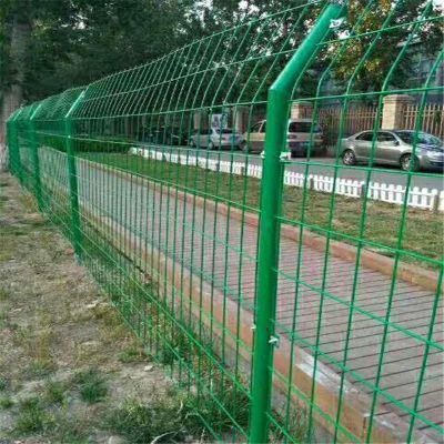 双边丝公路护栏网 高速公路防护栏现货批发 碰焊网片