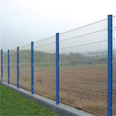 浸塑防护栏 折弯防护网 桃型柱防护栏厂