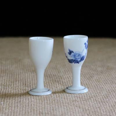 厂家直销薄胎玉瓷酒杯 纯白高脚烈酒杯 酒具定制加LOGO