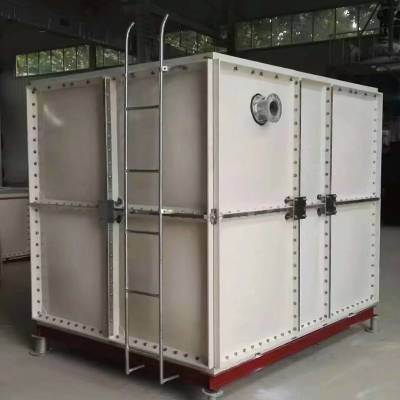玻璃钢1.5吨拉水罐 玻璃钢镀锌水箱厂家厂家新闻 玻璃钢水罐价格