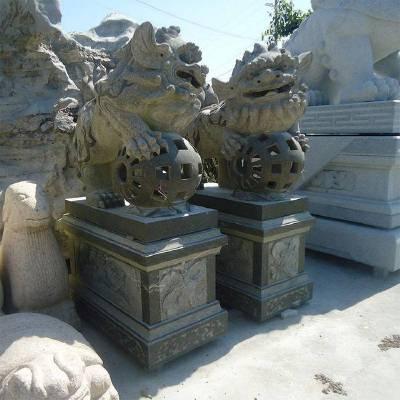 石雕献钱狮 祠堂门口摆放石雕招财狮 青石南狮雕刻