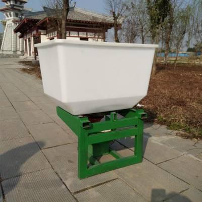 拖拉机前置施肥机 农用颗粒化肥抛洒机 车载型电动撒肥机报价