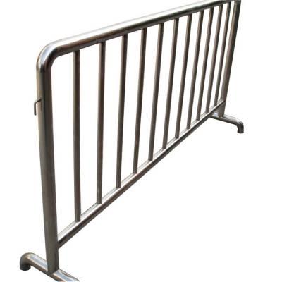 宝鸡热卖道路隔离护栏 移动黑黄铁马 临时道路护栏