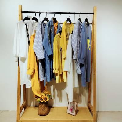 卡丽娅 品牌折扣女装 清新阳光2020年春装组合包 针织衫 风衣 连衣裙走份批发