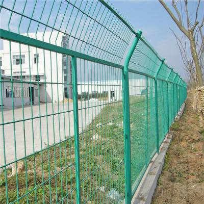 小区园林防护栏 优质浸塑边框防护网 定做铁丝护栏网